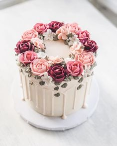 Hochzeitstorten drip cake These pretty little drip cakes just never get old ! Check my stories to see a little video for how this cake came Elegant Birthday Cakes, Beautiful Birthday Cakes, Beautiful Cakes, Amazing Cakes, Birthday Cake For Mom, Birthday Cake Design, Birthday Cake With Flowers, Elegant Cakes, Cake Decorating Designs