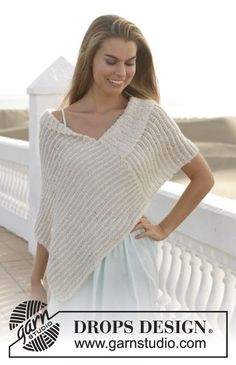 """Knitted DROPS poncho in garter st with stripes in """"Alpaca Bouclé"""" and """"Cotton Viscose"""". Size S-XXXL. ~ DROPS Design"""