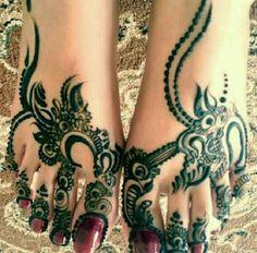 Wonderful arabic henna design :)