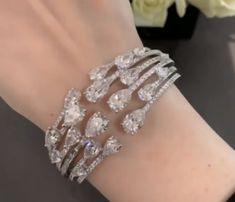 Beaded Jewelry Designs, Jewelry Art, Jewelery, Silver Jewelry, Diamond Necklace Set, Diamond Bracelets, Diamond Jewelry, Wedding Bracelet, Wedding Jewelry