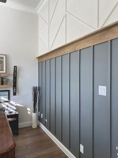 Home Renovation, Home Remodeling, Wood Accents, Wood Accent Walls, Kitchen Accent Walls, Painting Accent Walls, Brown Accent Wall, Black Accent Walls, Home Fashion