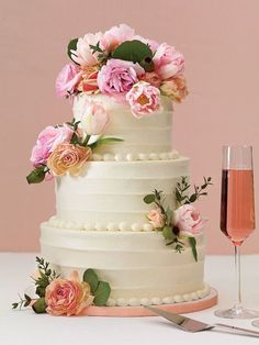 Stunning Flower Wedding Cakes On Wedding Cakes Pink Wedding Cake Designs With Floral Decoration Wedding Cake Fresh Flowers, Pretty Wedding Cakes, Square Wedding Cakes, Fresh Flower Cake, Floral Wedding Cakes, Amazing Wedding Cakes, Wedding Cake Rustic, White Wedding Cakes, Elegant Wedding Cakes