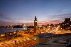 Sonnenuntergang an den Landungsbrücken Hamburg