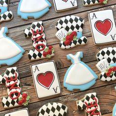 Iced Cookies, Sugar Cookies, Cookie Decorating, Decorating Ideas, Alice In Wonderland Theme, Food Themes, Custom Cookies, Cake Pops, Babyshower