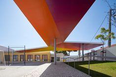 Cobertura da Escola Primária em Santarém / extrastudio