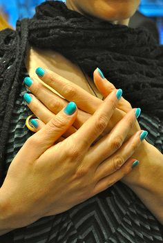 CND Shellac manicure in Hotski to Tchotchke !   www.cndshellac.it