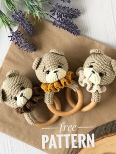 Crochet Baby Toys, Crochet Bear, Crochet Patterns Amigurumi, Free Crochet, Crochet Hats, Häkelanleitung Baby, Bead Sewing, Baby Rattle, Stuffed Toys Patterns