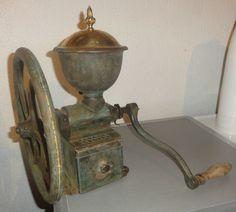 Ancien gros moulin a café de comptoir Peugeot Freres N2