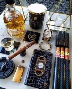 Pipes and cigars, havana cigars, rich lifestyle, luxury lifestyle men, ciga Cigar Bar, Pipes And Cigars, Cigars And Whiskey, Rich Lifestyle, Luxury Lifestyle, Wealthy Lifestyle, Lifestyle Shop, Zigarren Lounges, Gouts Et Couleurs