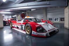 Após o lançamento do novo Toyota TS040 Hybrid, aqui fica um raro olhar para alguns dos lendários carros de competição presentes no museu da Toyota Motorsport.