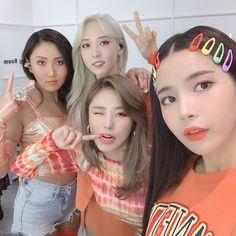 Moonbyul, solar, hwasa y wheein J Pop, Kpop Girl Groups, Korean Girl Groups, Kpop Girls, Kim Young, Wheein Mamamoo, Foto Jimin, Soyeon, Solar Mamamoo