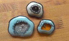 Brooches that Michelle Startzman made at Penland (1600×958)