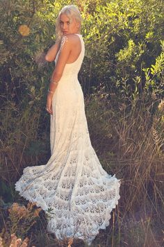 Vintage Inspired Racer-Back Wedding Dress Crochet Lace Tank Top Ivory Bohemian Gown -Dylan Floor length and fitted throughout the bodice. Drops into a rounded train lined with a scallop trim. Racer back detailing making for a more modern neck line. Crochet Wedding Dress Pattern, Crochet Wedding Dresses, Vintage Style Wedding Dresses, Wedding Dress Patterns, Bohemian Wedding Dresses, Boho Wedding, Dress Wedding, Mermaid Wedding, Lace Mermaid