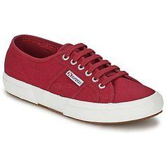 Imposible de dejar de lado esta #deportiva baja firmada por la marca #Superga. Buen punto por su diseño #original gracias a su corte en textil y su color rojo. Con una suela en caucho, el 2750 Classic tiene una plantilla en sintético así como su suela en caucho. Un modelo que seducirá a los fans de la #sneakers. #zapatillas #zapatilla #spartoo #modamujer #chica  http://www.spartoo.es/Superga-2750-CLASSIC-x247130.php