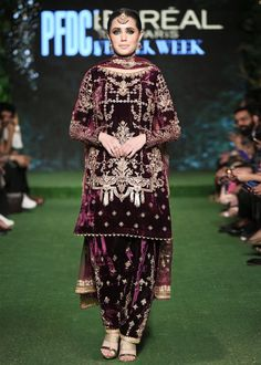 Source by maryammerry dresses indian Velvet Pakistani Dress, Pakistani Formal Dresses, Shadi Dresses, Pakistani Dress Design, Fancy Dress Design, Stylish Dress Designs, Stylish Dresses, Fashion Dresses, Stylish Suit