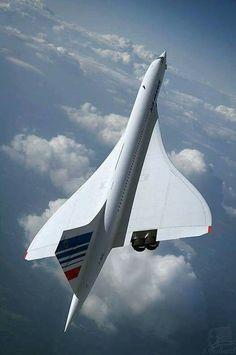 Beautiful Concorde in flight.