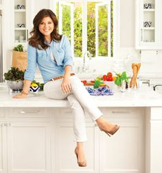Prep once & eat healthy all week! Includes shopping list, prep tips, and recipes. Plus--Kelly Kapowski does it!!