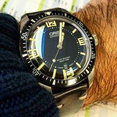 #Regram of @dualcitizen100. The vintage leather strap looking real sharp on the #Oris Divers 65.  #womw #watchonmywrist #watchcollecting #watches #wristshot #instawatch #wis #swissmade #wruw #luxurywatches #watchfam #divewatch