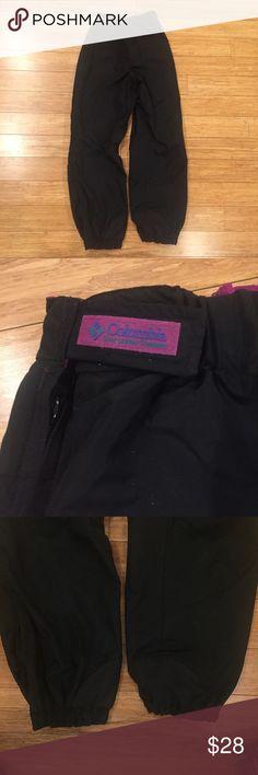 Columbia women's snow pants size medium Columbia Sportswear black and magenta snow pants. 90% sure they are reversible. Women's size medium! Columbia Pants