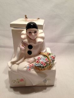 Schmid pierrot harlequin clown vintage porcelain music box  PIERROT LOVE