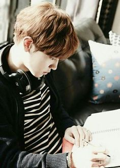 Chanyeol in exo next door 2ne1, Got7, Chanyeol Baekhyun, Exo Kai, Culture Pop, Kim Minseok, Exo Korean, Xiu Min, Exo Members
