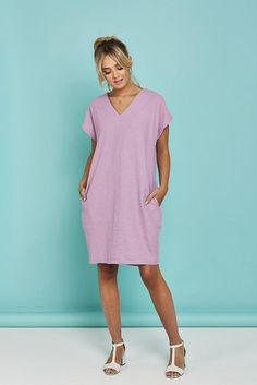 Cocoon Dress - The Foldline - - Like this dress? Sew your own Cocoon Dress! Use Vogue 1496 Find voguepatterns.mcc… Source by PowerSewing Tee Dress, Belted Dress, Dress Pants, Dress Shoes, Shoes Heels, Sewing Clothes, Diy Clothes, Sewing Coat, Simple Dress Pattern