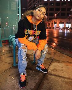 Hip-hop fashion, also referred to as large styles, serves as a individual style of outfit. Cute Swag Outfits, Chill Outfits, Mode Outfits, Trendy Outfits, Tomboy Winter Outfits, 90s Hip Hop Outfits, Summer Tomboy, Boyish Outfits, Hipster Outfits