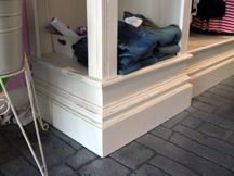 Retail Store - Shabby Chic - Display Fixtures - Cases 1