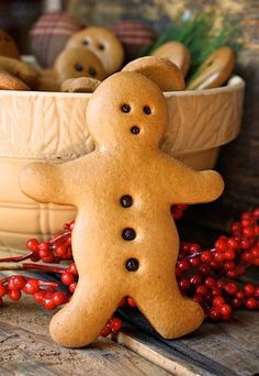 Ingredients:  3 TBLS Shortening  1/2 Cup Sugar  !/2 Cup Molasses  1 tsp of Baking soda  1 tsp Cinnamon  1 tsp cloves  1 tsp ginger  3 1/2 Cups of flour  3/4 Cup water  Cookie cutters, peppercorns or small rusty bells and clear acrylic varnish    (Decorative use only!)
