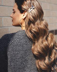 Long sleek wedding hair waves! Using Luxy Hair extensions in Ash Brown. Brown Hair Extensions, Human Hair Extensions, Valentine's Day Hairstyles, Wedding Hairstyles, Classy Hairstyles, Hairstyle Ideas, Medium Hair Styles, Natural Hair Styles, Short Hair Styles