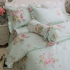 Such a gorgeous shabby chic handmade duvet set perfect for adding a touch of floral elegance to any bedroom in your home! Shabby Chic Bedrooms, Shabby Chic Homes, Shabby Chic Furniture, Shabby Chic Decor, Floral Bedroom, Bedroom Green, Rose Bedroom, Chic Bedding, Luxury Bedding