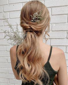 "𝙲𝚒𝚗𝚝𝚒𝚊 𝙹𝚊𝚜𝚜𝚘 on Instagram: ""🌿🌿🌿🌿🌿🌿🌿 #bride @marcelamarroquin . . . . . #novias #allmodernhair #hotonbeauty #editorialhair #hairstyle #hairdresser #hairdo #modernsalon…"" Boho Bridal Hair, Bridal Hair Inspiration, Editorial Hair, Hairdresser, Hairstyle, Bride, Wedding, Beauty, Instagram"