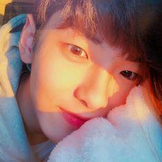 Korean Boys Ulzzang, Cute Korean Boys, Ulzzang Couple, Ulzzang Boy, Asian Boys, Ulzzang Style, Beautiful Boys, Pretty Boys, Non Fiction