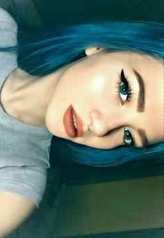 Girl Photo Poses, Girl Photos, Fake Girls, Cute, Snapchat Ideas, Beautiful, Instagram, Fashion, Profile Pics