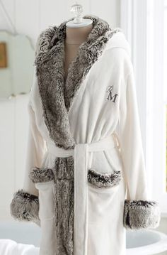 cozy fur robe  http://rstyle.me/n/s6v2apdpe
