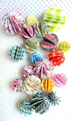 cute. these remind me of cute garlands we made on our girlie trip! ;)
