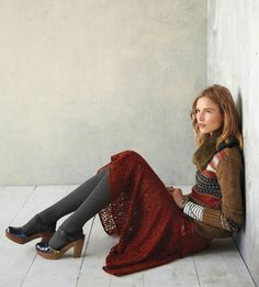 Anthropologie outfit, funky sweater, red lace skirt, grey tights and heels Grunge Look, 90s Grunge, Grunge Style, Soft Grunge, Grunge Outfits, Grunge Girl, Classy Outfits, Grey Tights, Wool Tights