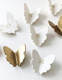 3D Butterfly wall art 7 Gold + white porcelain ceramic butterflies wall art sculpture Set of 7 butterflies with metal wire (5 white 2 gold)