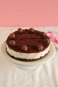 Cheesecake με Ferrero rocher, Oreo και nutella για το Φιφίνι Ferrero Rocher Cheesecake, Oreo, Cupcakes, Cheesecakes, Tiramisu, Sweet Treats, Deserts, Sweets, Chocolate