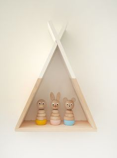 child's room wall shelf