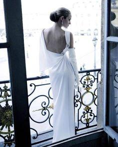 """""""L'amore è il rimedio per la nostra superbia e il nostro orgoglio, il medico di tutte le nostre infermità. Solo colui che ha la veste stracciata dall'amore perde ogni egoismo""""."""""""