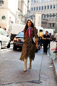 Woman on street – Paris