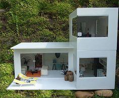 Modern miniatures for dollhouse Dollhouse Kits, Modern Dollhouse, Dollhouse Miniatures, Victorian Dollhouse, Barbie Furniture, Dollhouse Furniture, Casas Containers, Barbie Dream House, Miniature Houses