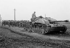 Sturmgeschütz 7,5 cm StuG. III mit Topfblende Ausf. G (Sd.Kfz. 142/1)