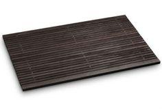 Badematte Holz aus Thermo-Holz. Wendbare Holzbadematte in edlem dunklen Farbton.
