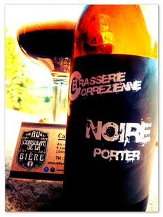 Noire Porter, brasserie corrézienne, Bière noire, Au Consulat de la Bière, Aurillac. Whiskey Bottle, Drinks, Craft Beer Glasses, Brewery, Black People, Drinking, Beverages, Drink, Beverage