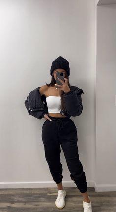 Tomboy Fashion, Teen Fashion Outfits, Retro Outfits, Look Fashion, Streetwear Fashion, Trendy Teen Fashion, Swag Girl Outfits, Girl Streetwear, Nike Fashion