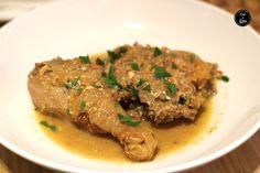Pollo o gallina en pepitoria