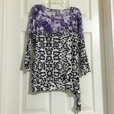 "NWOT Chico's Floral Animal Print Blouse side tie NEW WITHOUT TAGS, Chico's Floral Animal Print Blouse with side tie  CONDITION: NO DEFECTS. Pet free and NON Smoking home  Chico's sizes are different than US sizes please refer to Actual measurements provided below:  • Chico's Size: 1 • US Size: Small (4-6) • Color: Purple Black White • 3/4 Sleeves • Scoop Neck • Bust: 42"" (21"" across) • Length: 25"" • 95% Rayon 5% Spandex    I have more CHICOS for sale, Check out my other items!    ❌ NO TRADES…"