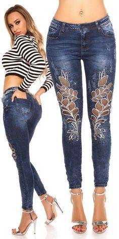 damske-rifle-s-vysivkami-a-sietkou. Denim Fashion, Fashion Pants, Fashion Outfits, Sexy Outfits, Cute Outfits, Jeans Refashion, Lace Jeans, Denim Ideas, Latest Fashion Design